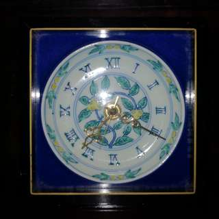 Wood frame porcelaince table clock
