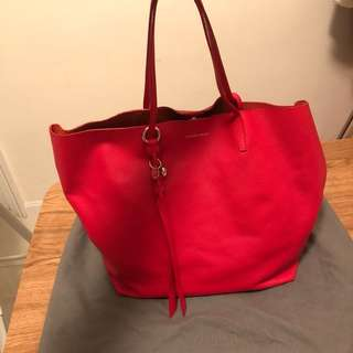 Alexander McQueen grain skull red tote bag 💯 real