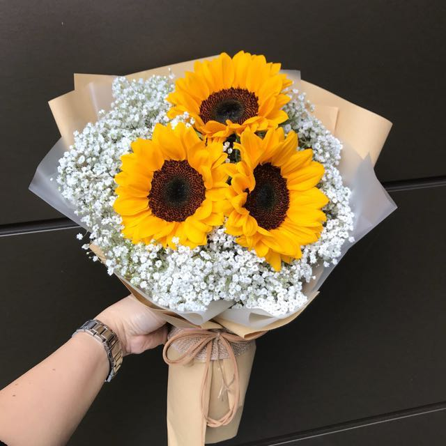 3 sunflowers And Baby Breath Hand Bouquet