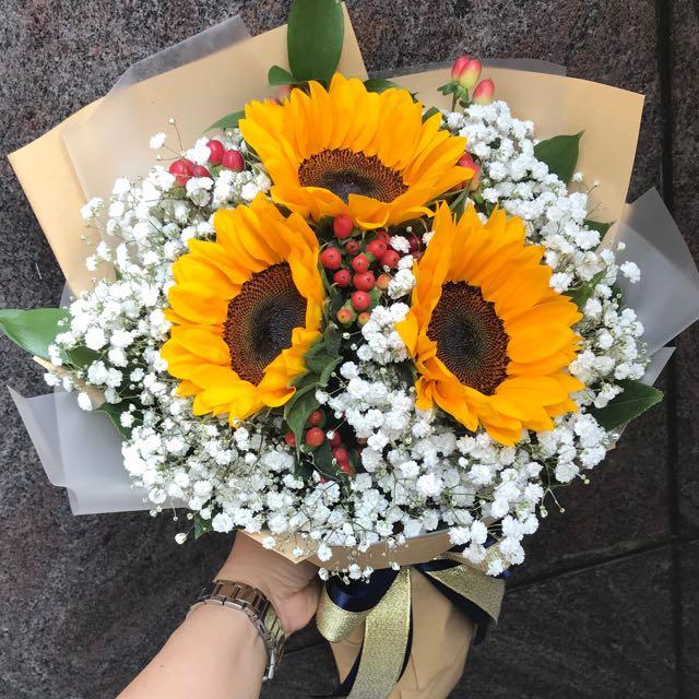3 sunflowers Baby Breath Hypericum Bouquet