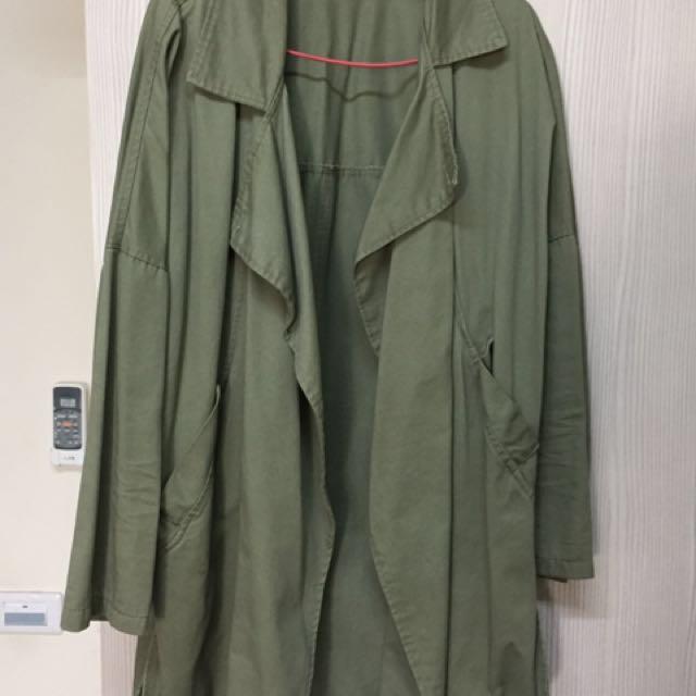 軍綠短大衣(薄)