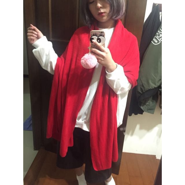 大紅色保暖圍巾