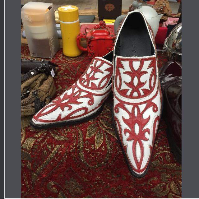 手工雕花皮鞋