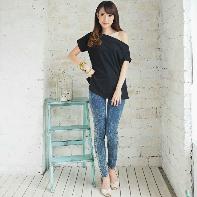 Aiko One Shoulder Top