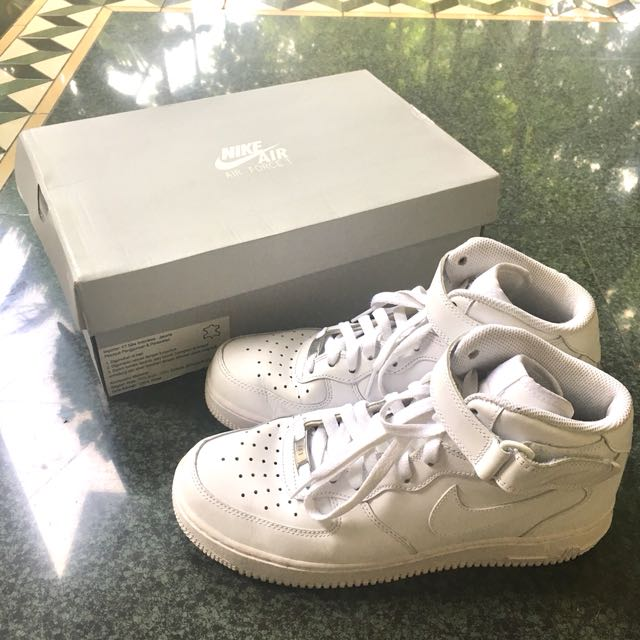 Air Force 1 white middle