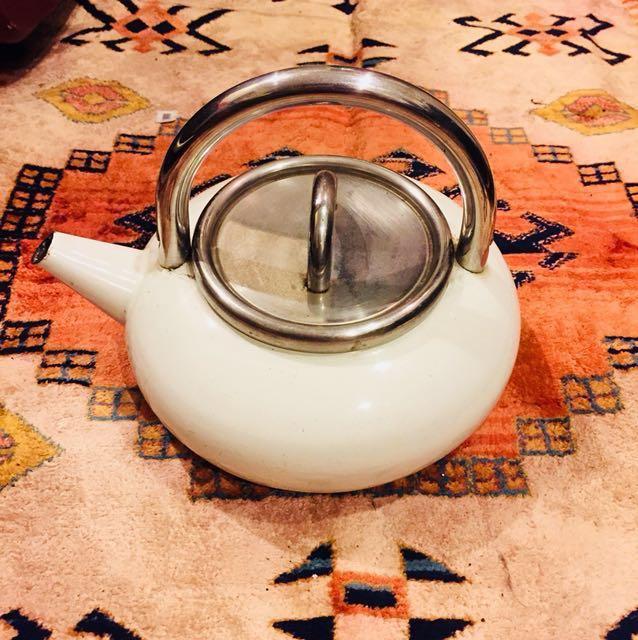 德國ASTA 鑄鐵琺瑯熱水壺