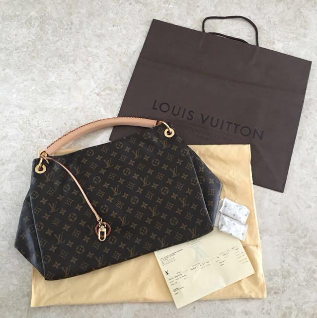 5a25b7fe1b1e BN Authentic Louis Vuitton Artsy MM Monogram