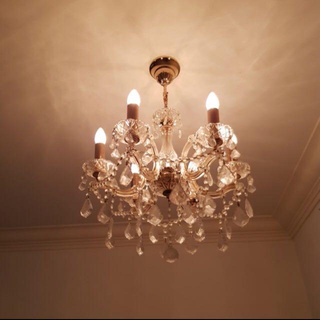 Chandelier + 6 LED Bulbs