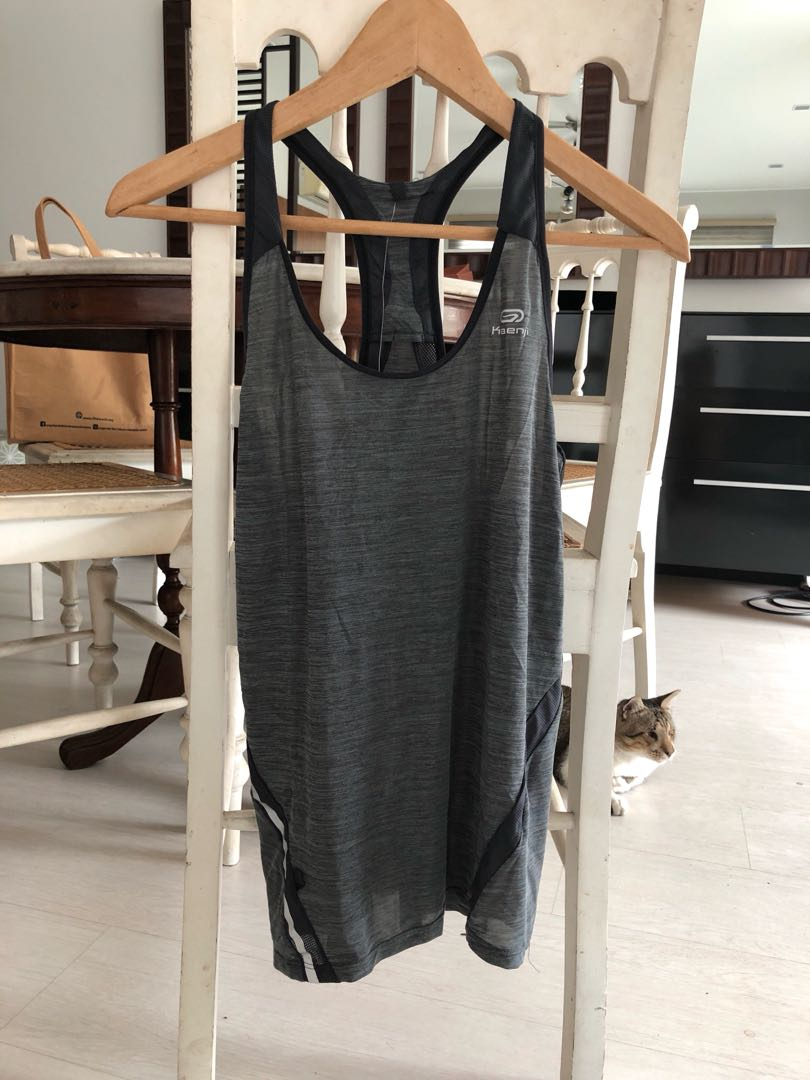Decathlon vest size XS for yoga / running / gym