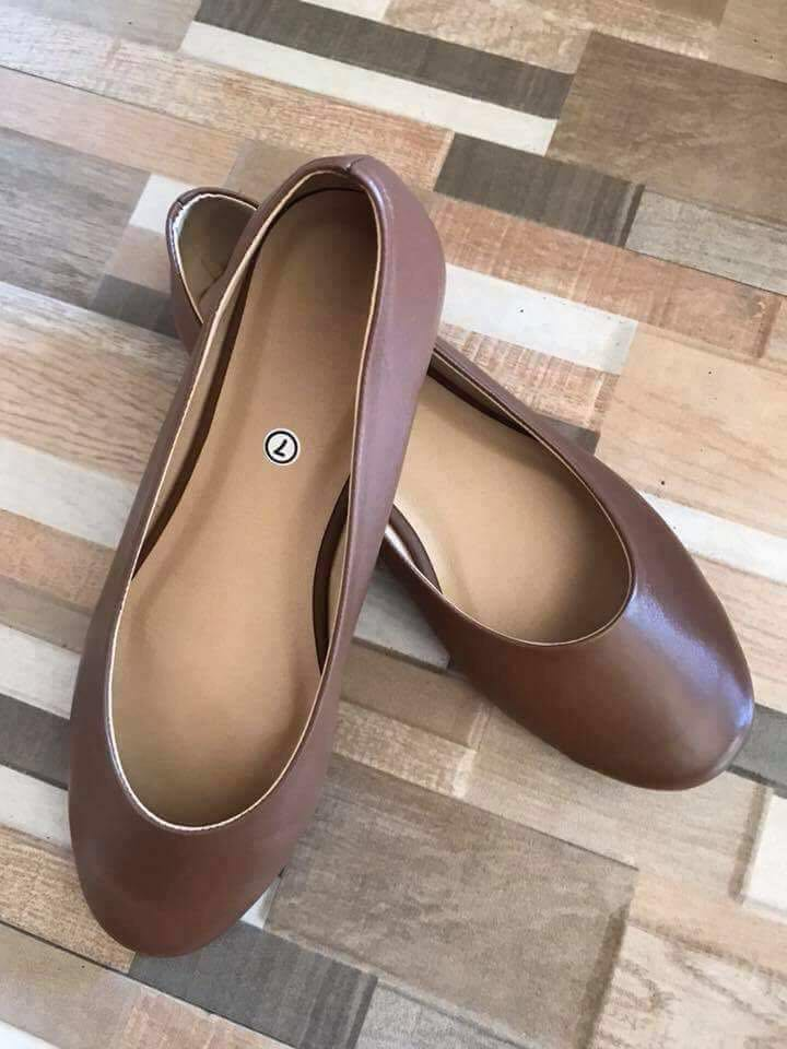 Doll shoes  100% Marikina made 😘😘 With added cushion for your comfort Perfect style for everyday use Proudly Filipino made🇵🇭🇵🇭 Durable and fashionable for very reasonable price👠👠👠 Available in standard size 5-9 FREE DELIVERY
