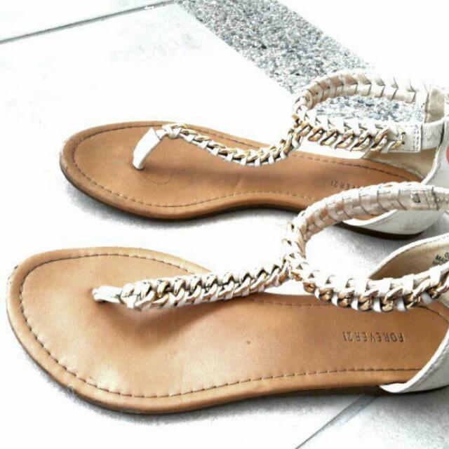 FOREVER 21 Flat white sandals