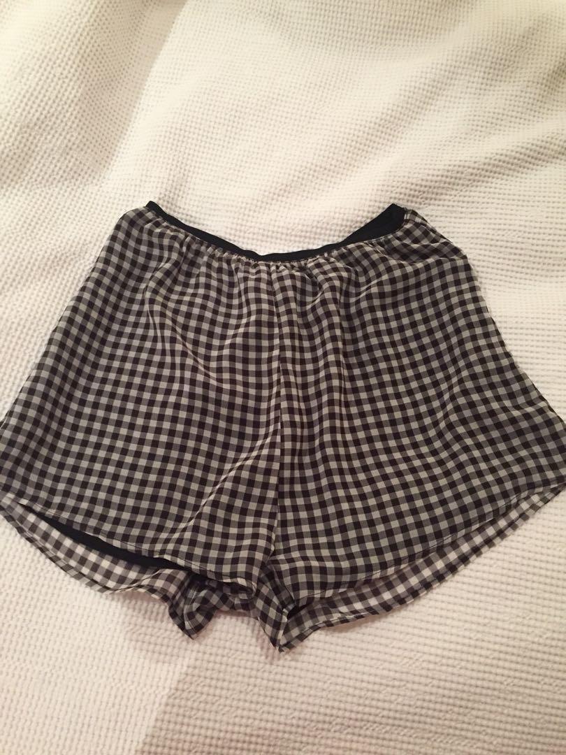 Gingham black and white shorts