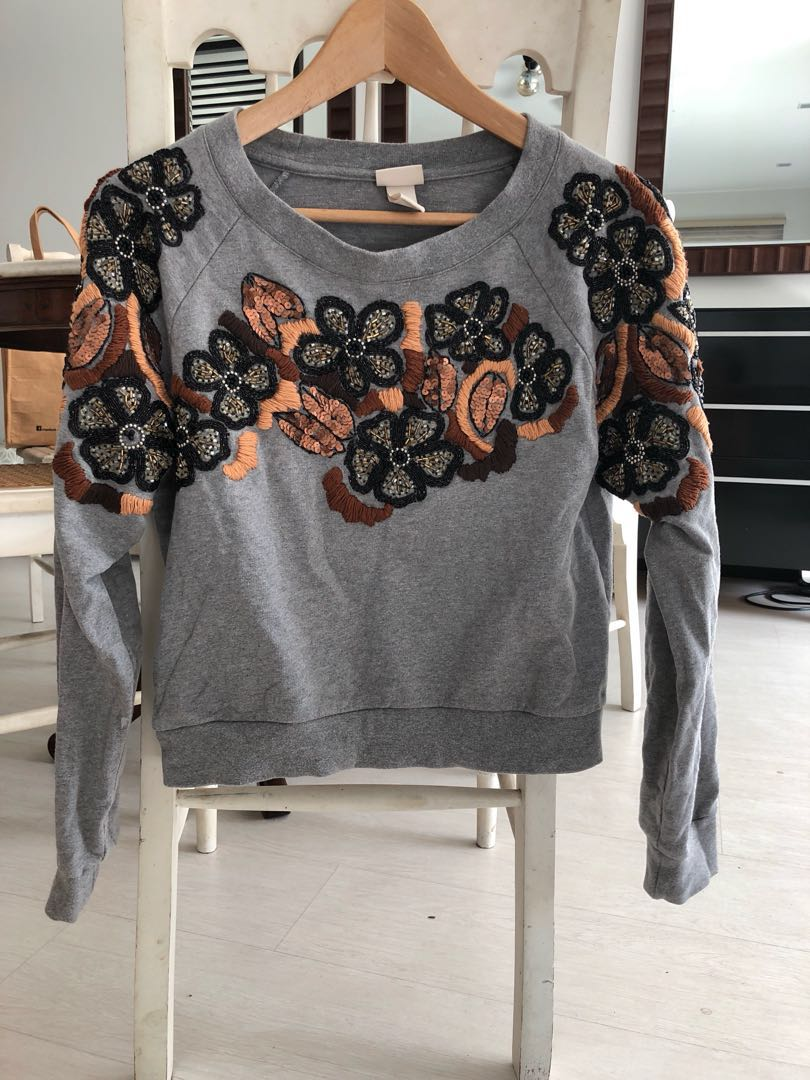 H&M Cropped grey sweater with sequins & beading