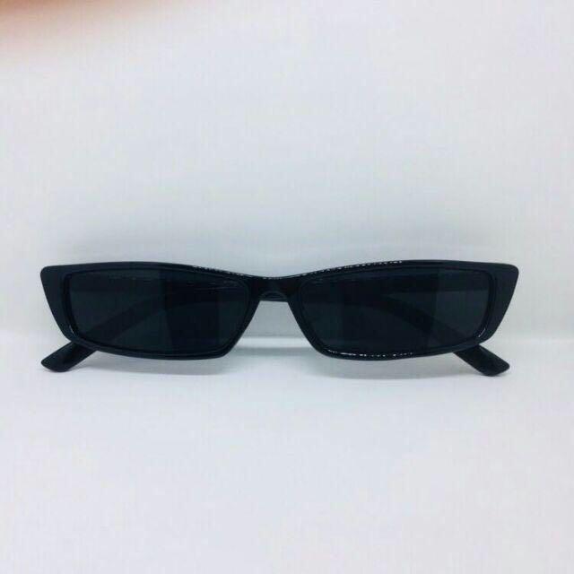 Kacamata sipit