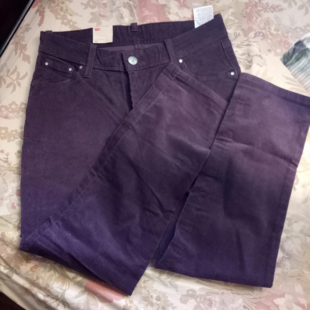 LEVI's Maroon Boyfriend Jeans