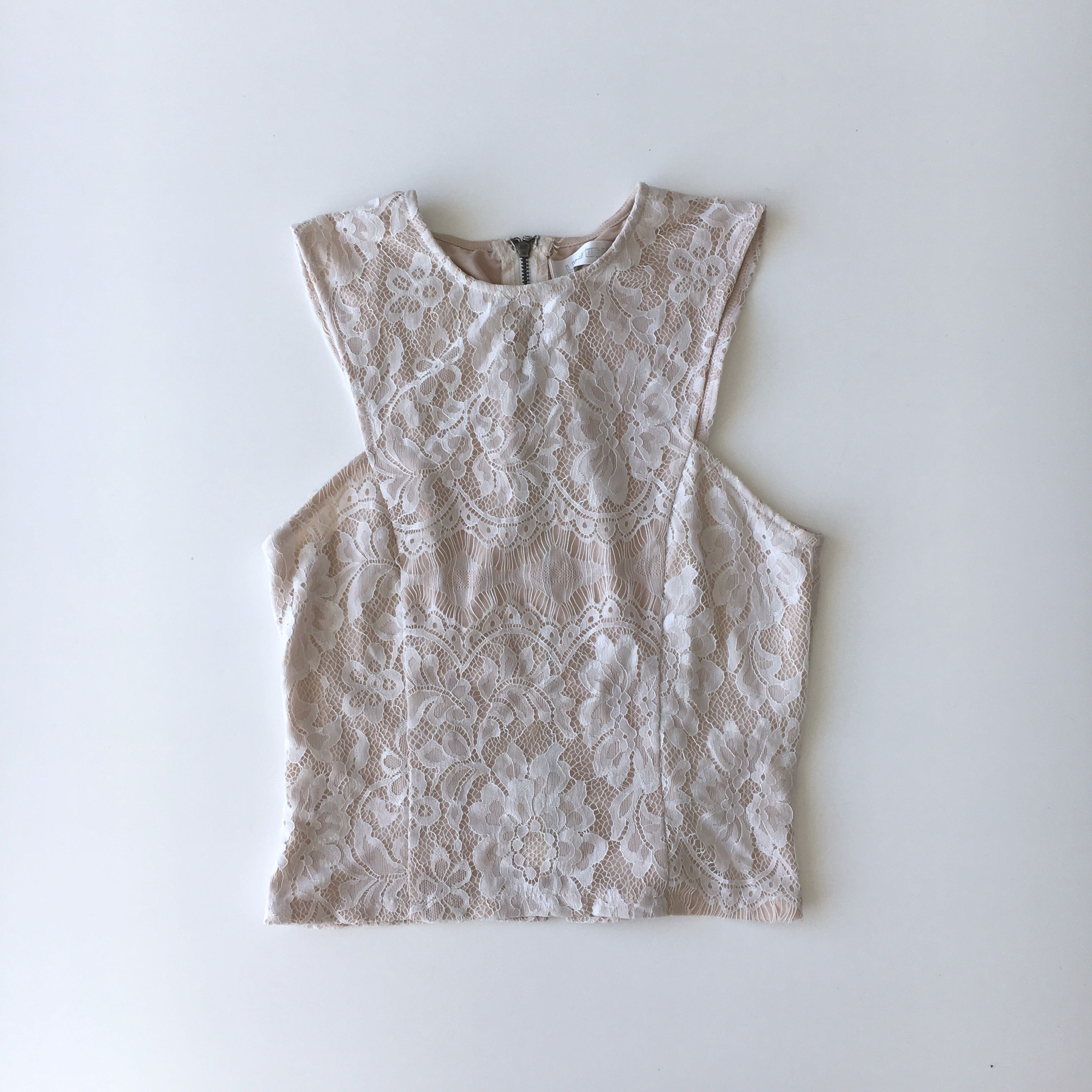 LILY WHYT TOP
