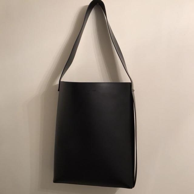 Oak + Fort Shoulder Bag