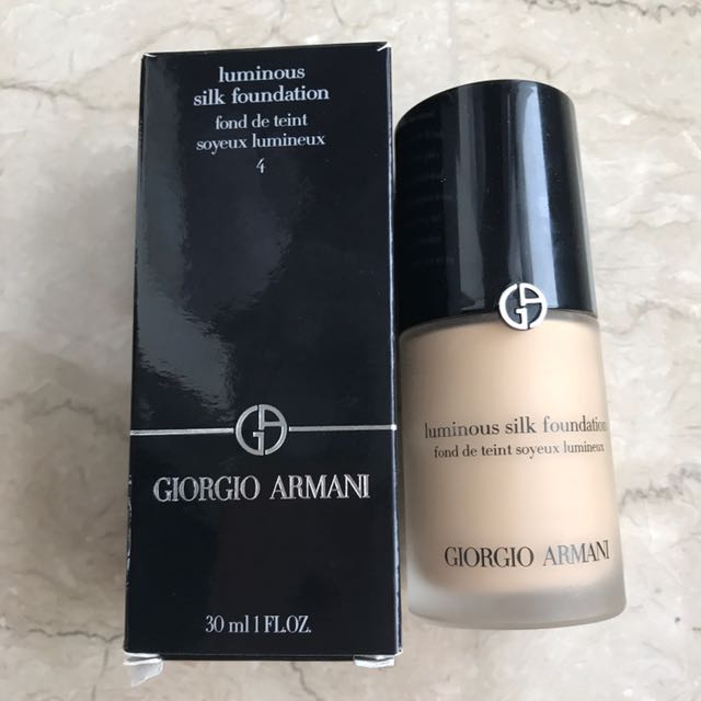 ORI Giorgio Armani Luminous Silk Foundation