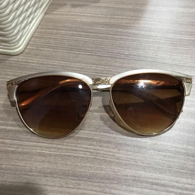 Preloved forever 21 sunglasses