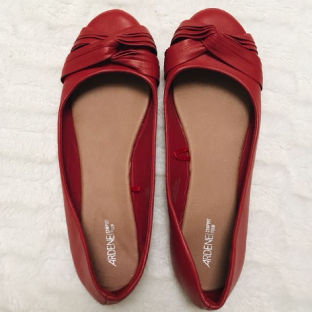 Red flats size 10