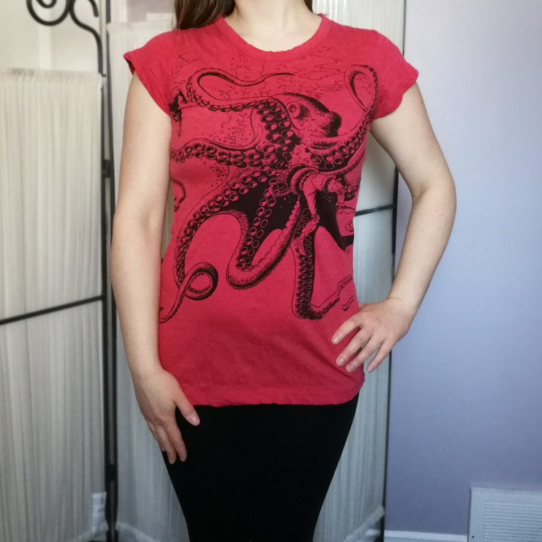 Red Octopus Tee Print Small