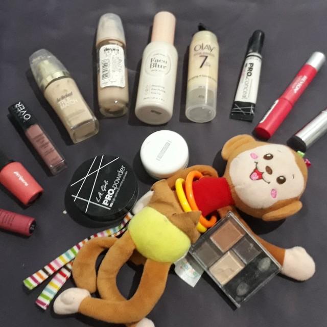 Sale fondation lipstik dan eyeshadow