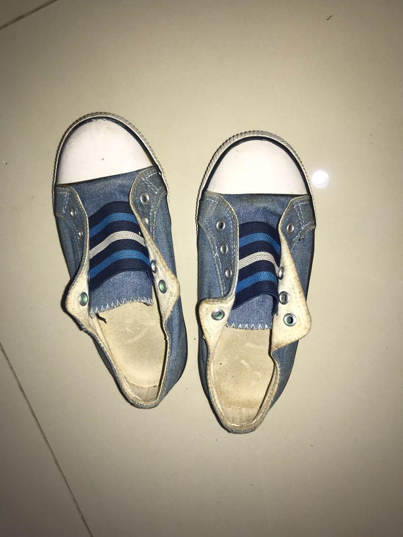 Sepatu anak mothercare