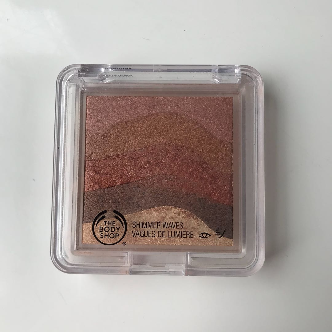 Shimmer waves bronzer