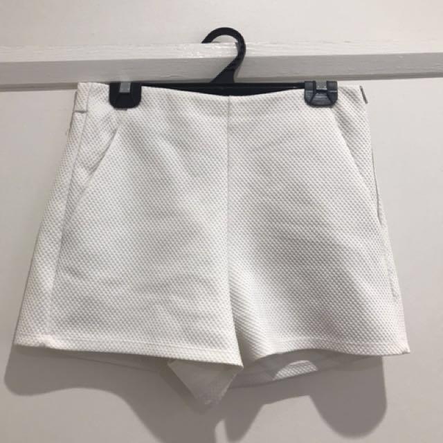 Sportsgirl white shorts size 8