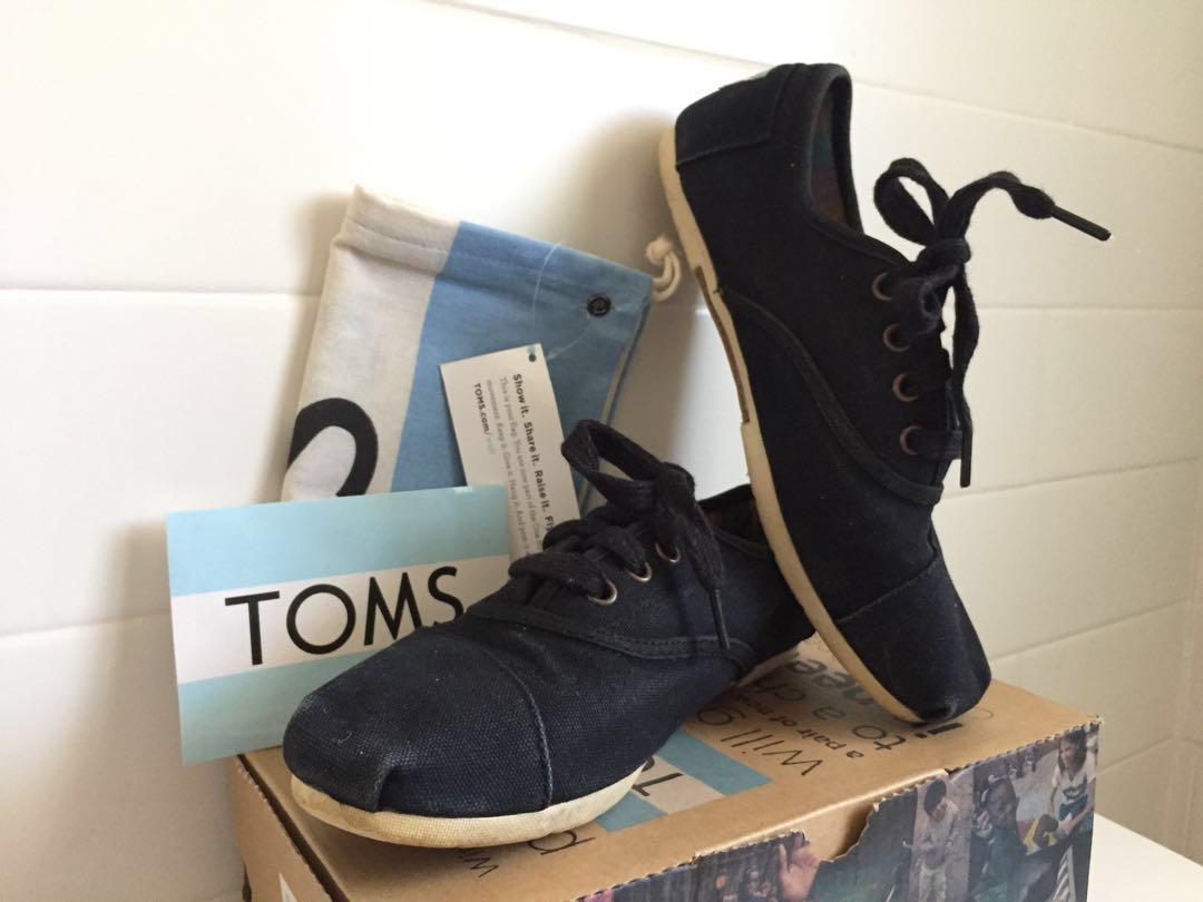 TOMS Cordones / Women's Sz 7