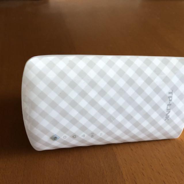 TP-link WiFi extender AC750 RE200