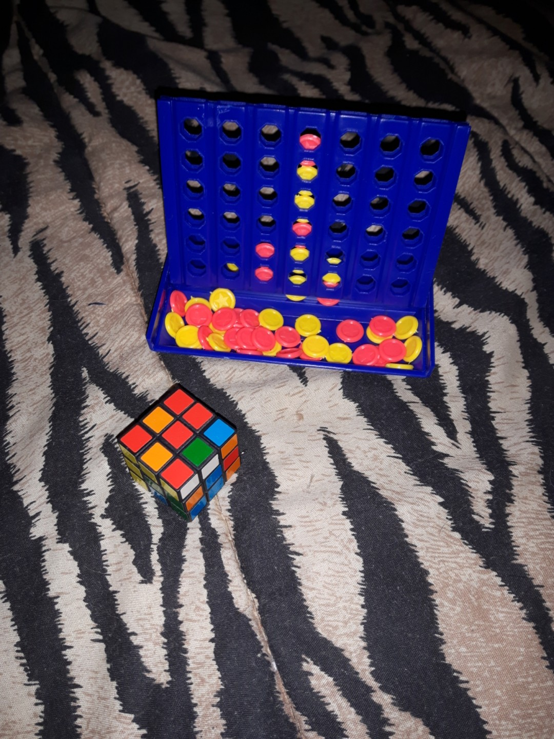 Travel game size - Arubic cube & connect 4