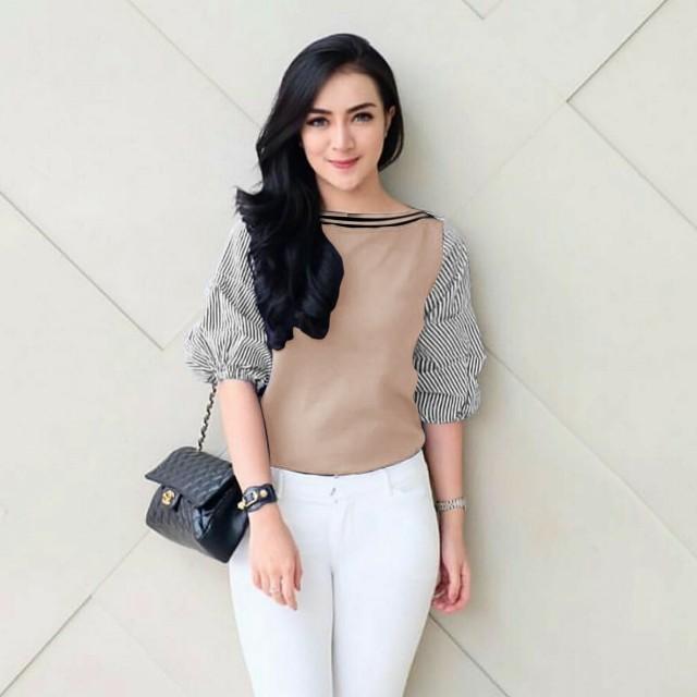 Tria blouse wanita