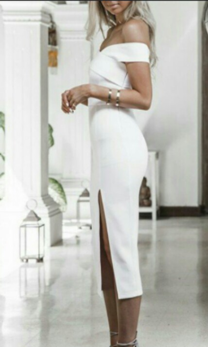 TURUN HARGA BARDOT SLIT DRESS WHITE SIZE L