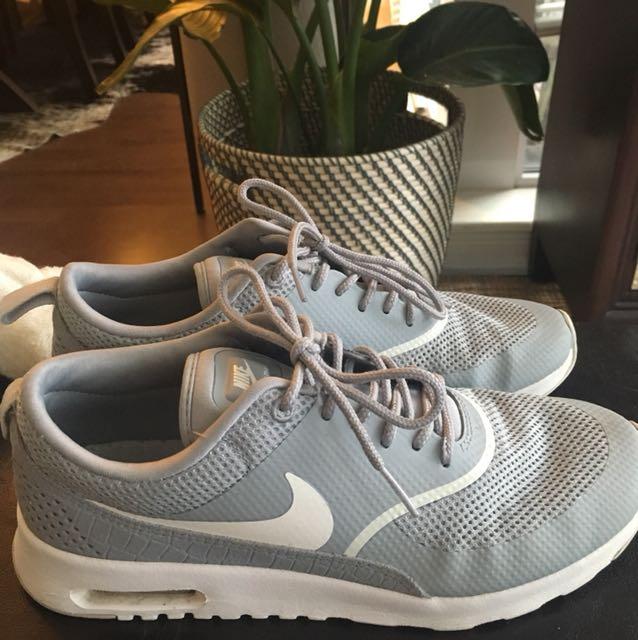Women's Nike Air Max Thea size 8.5