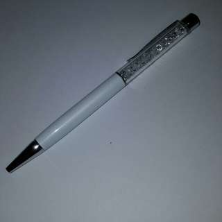 White Crystal Pen