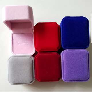 Single Velvet ring box