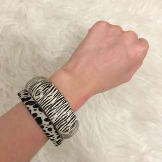 2pcs Patterned bracelets