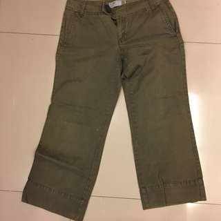 Cropped Pants or Capri Cargo Pants Old Navy Original