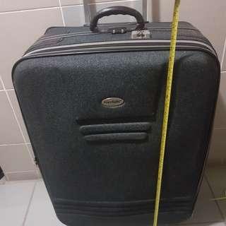 特大行李喼一個 適合任何 旅行 行街 收貨 拍賣搬屋 精品 汽車零件 廚房用具 手機 配件 舖頭 寫字樓 用luggage bag