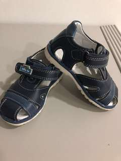100% leather, great quality shoes for toddler