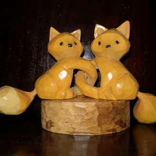Wood handicraft fox figurine