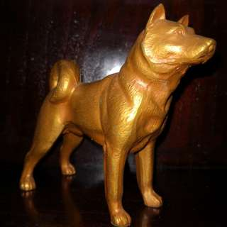 Metal dog figure