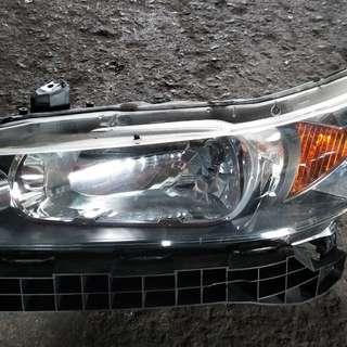 Honda Stream Headlight (HID/Non HID)