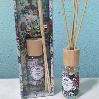BUYING Petals of Spring - Reed Diffuser