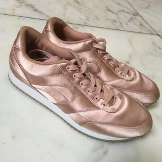 Divided H&M Shoes Rose Gold Size 40