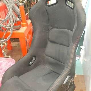 🚚 卡夢桶椅與可調賽車椅