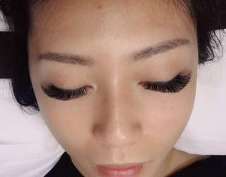 Lashes extensions - doorsteps