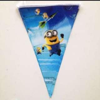 Minion triangle banner