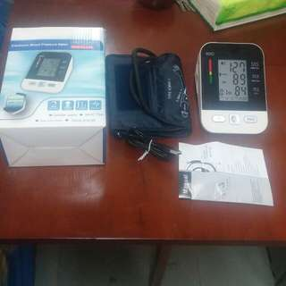 Electronics blood pressure meter rechargeable. Usb
